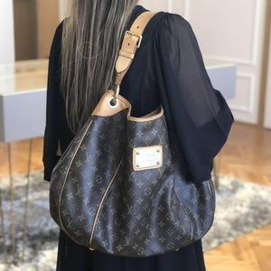 💎✨AUTHENTIC ✨💎 EXTRA LARGE HOBO LOUIS VUIT…